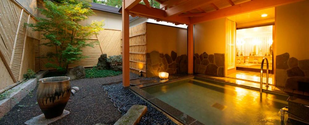 kawaguchiko-hotel-huro