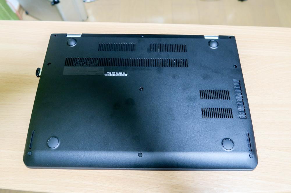 ThinkPad 13 背面 スピーカーは下左右