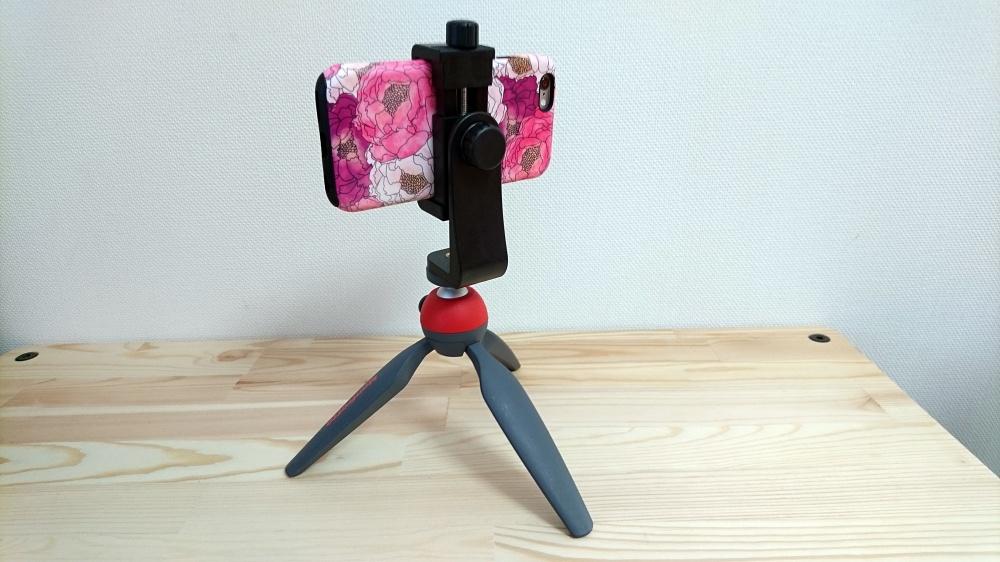 ミニ三脚ホルダーと iPhone