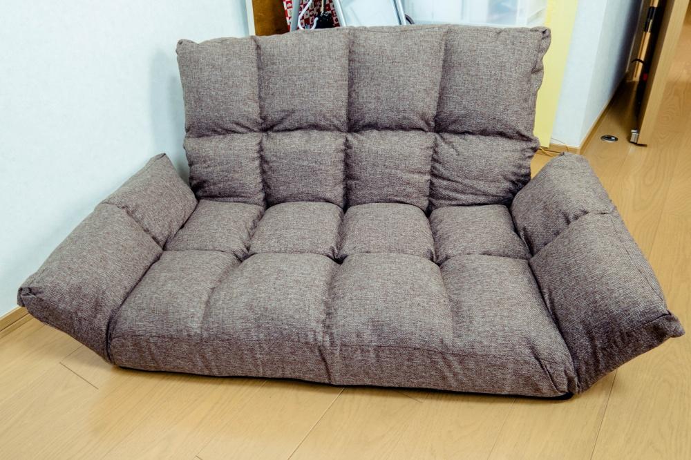 足つきソファー座椅子をロータイプで設置