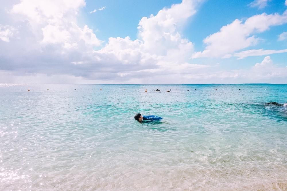 プライベートビーチで遊ぶ