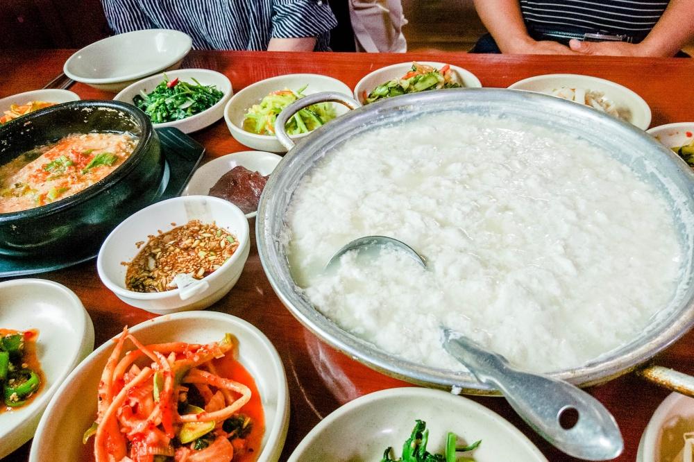 スンドゥブ(豆腐 /순두부)この料理は日本でい言う「湯豆腐」