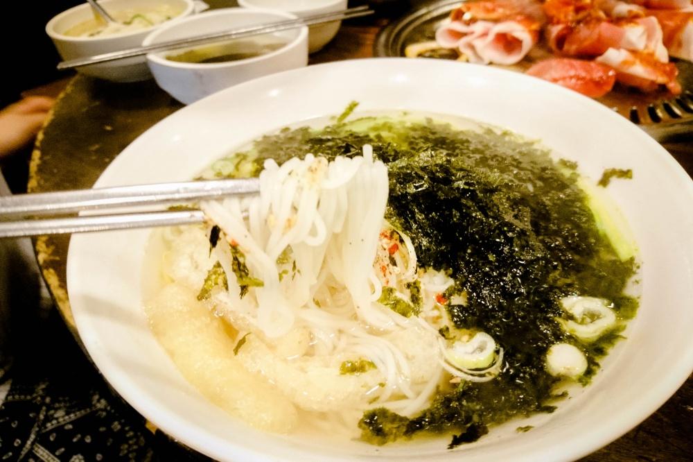 ミョルチグクス(煮干しダシにゅうめん /멸치국수)