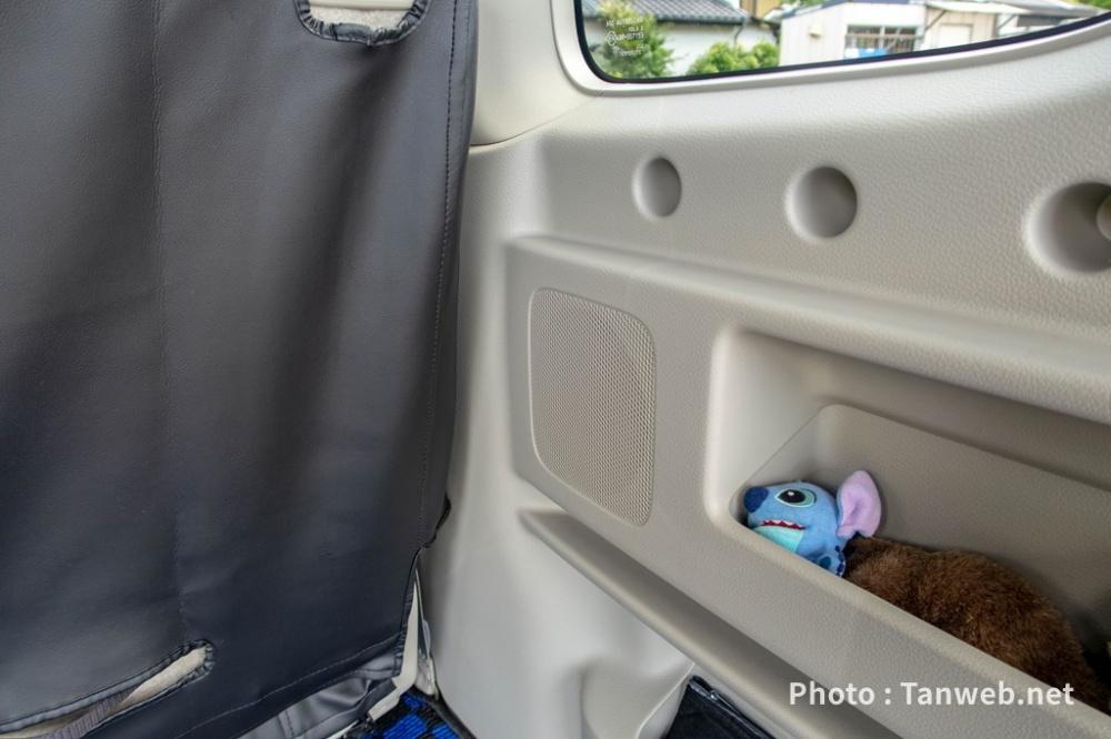 エブリイワゴン(DA17W)後席後ろの荷室スピーカー