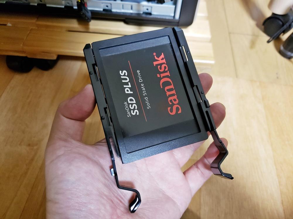 G-GEAR GA7J-D180/T SSD増設