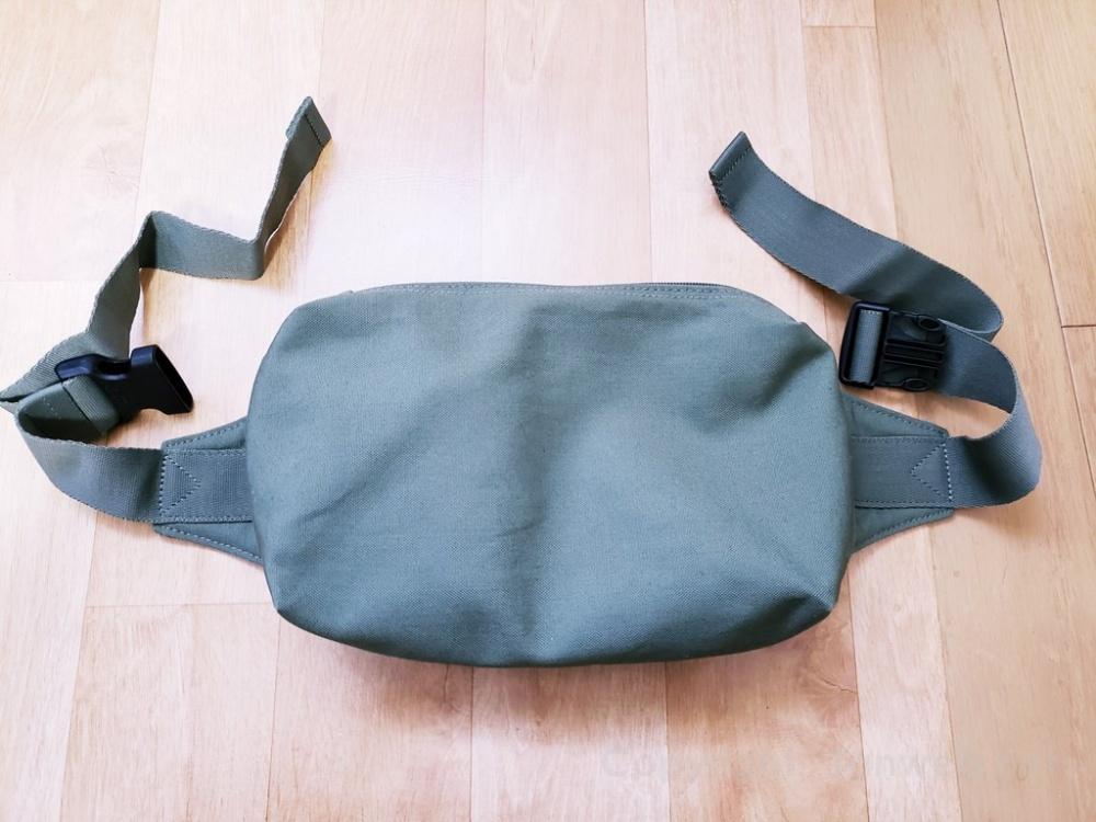 ユニクロのウエストバッグはあなどれない!小バッグ好きにはたまらない使い勝手の良さ