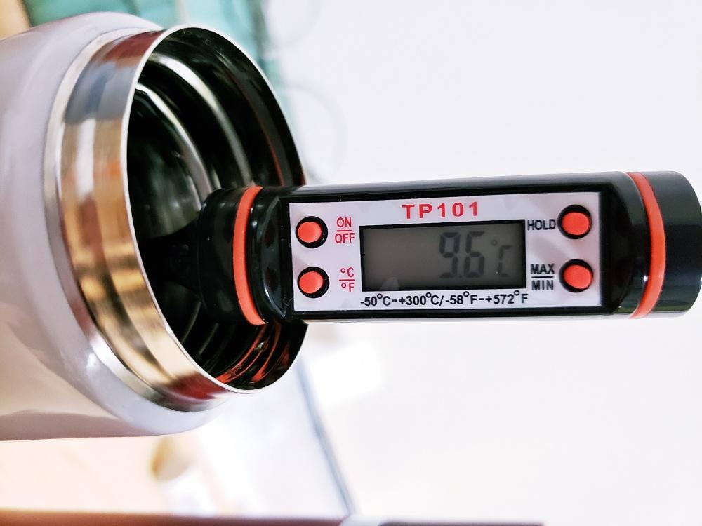 水筒の保温力は価格が高いものと安いもので差が出るのか?大手と無名ブランドで比較計測してみた