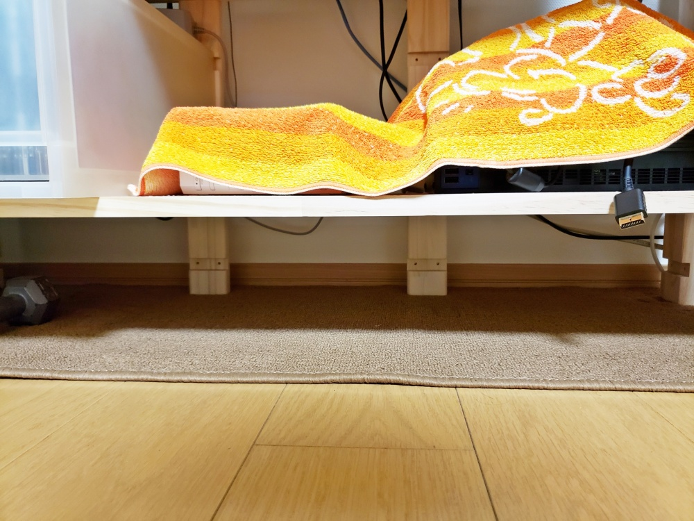 完成した DIY 棚にテレビとかいろいろ設置してみました