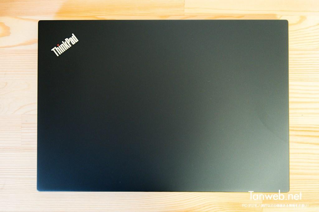 ThinkPad T495s 上下左右の外観(天板)