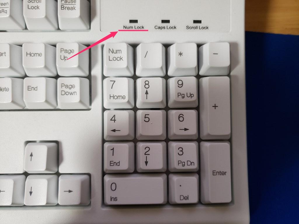 テンキー入力の有無は「Num Lock」ランプで確認できる02