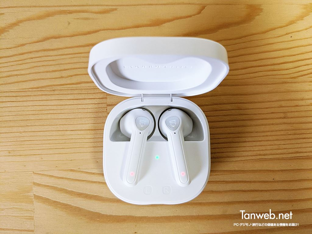 SOUNDPEATS TrueAir2「充電ケースのイヤホン格納部分」01