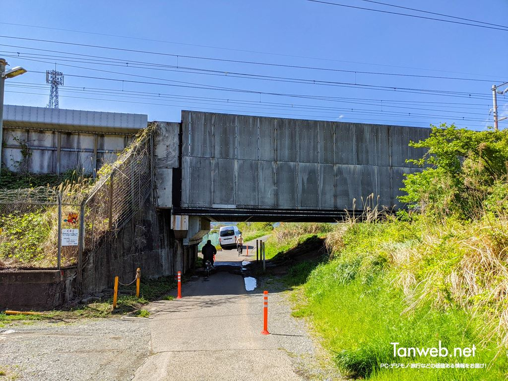 金目川サイクリングコース「新幹線ガード下」
