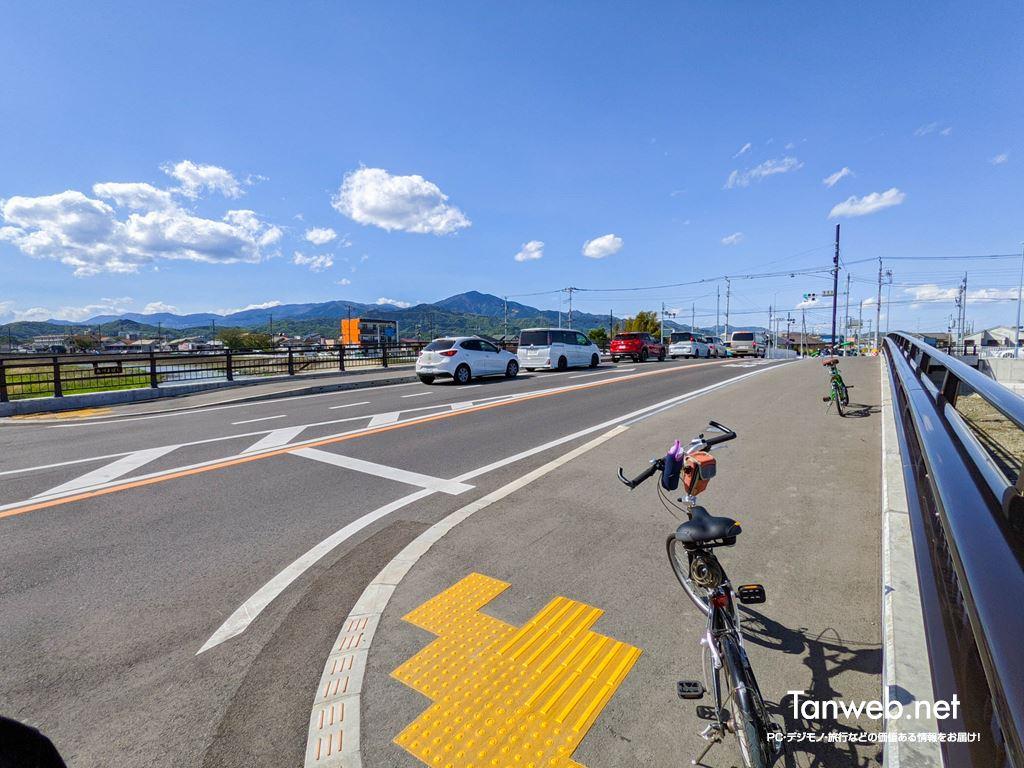 金目川サイクリングコース「第1チェックポイントの吾妻橋」